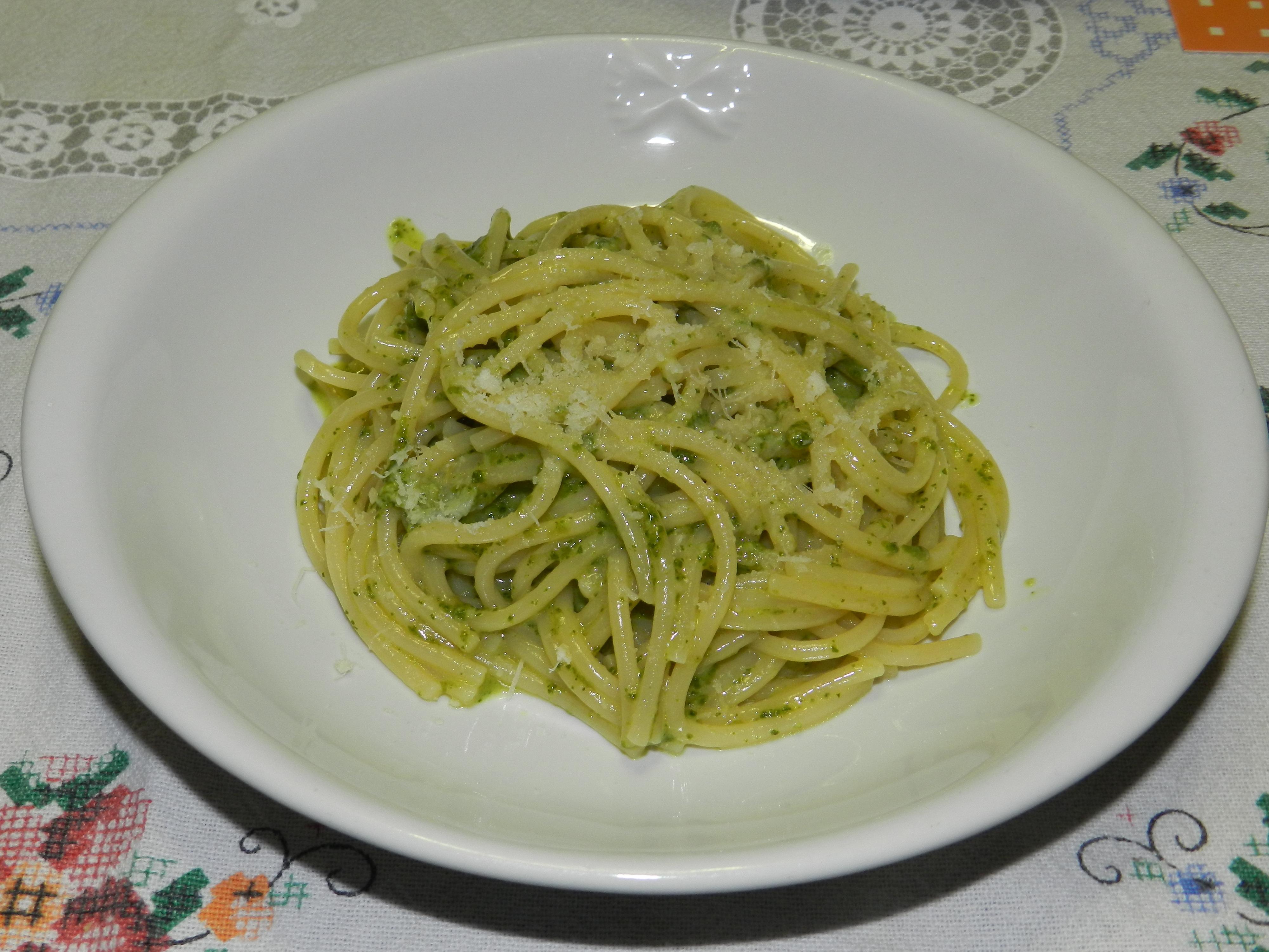 Spaghetti pesto e gorgonzola