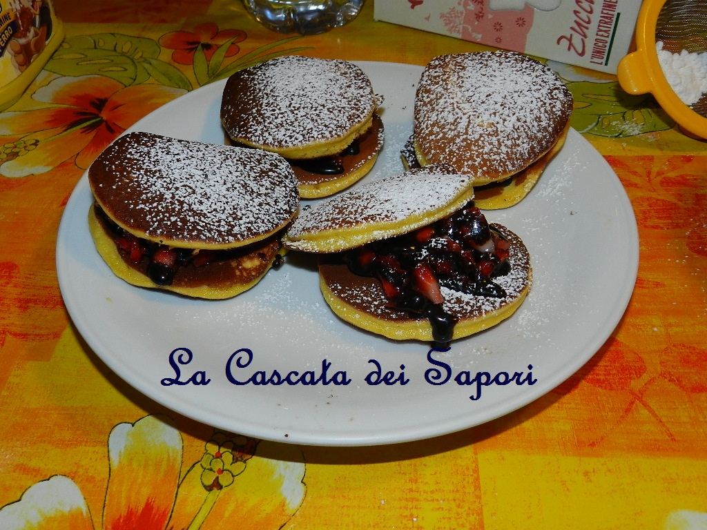 Dorayaki fragole e cioccolato
