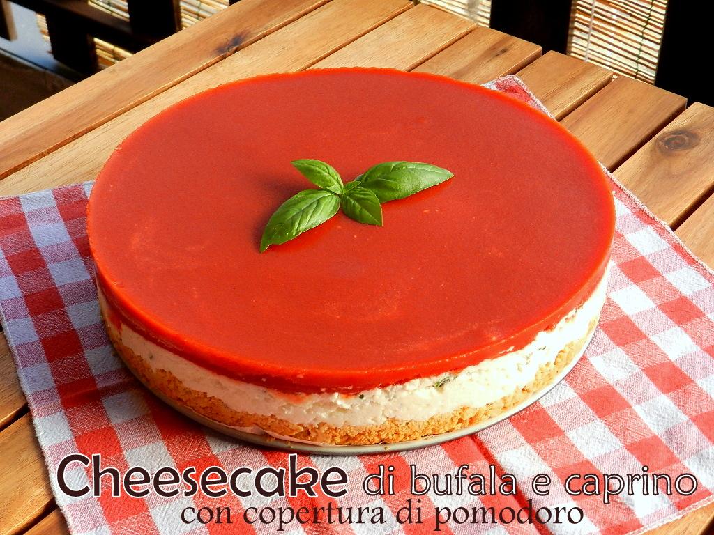 Cheesecake di bufala & caprino con copertura di pomodoro