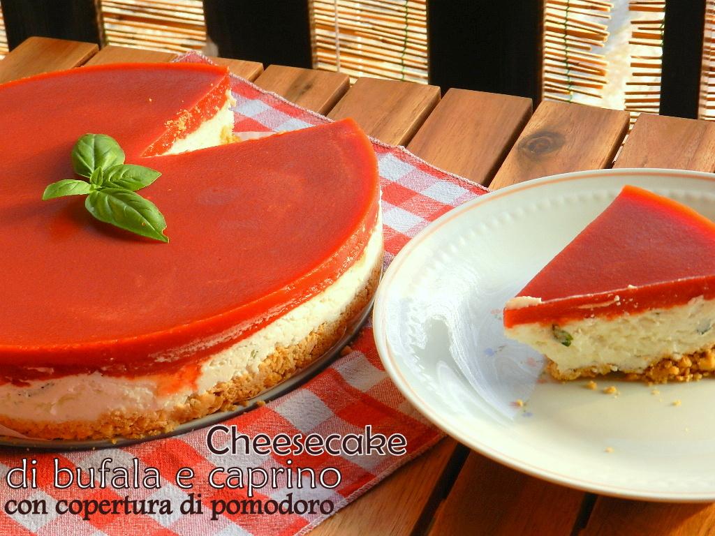 Cheesecake di bufala e caprino con copertura di pomodoro