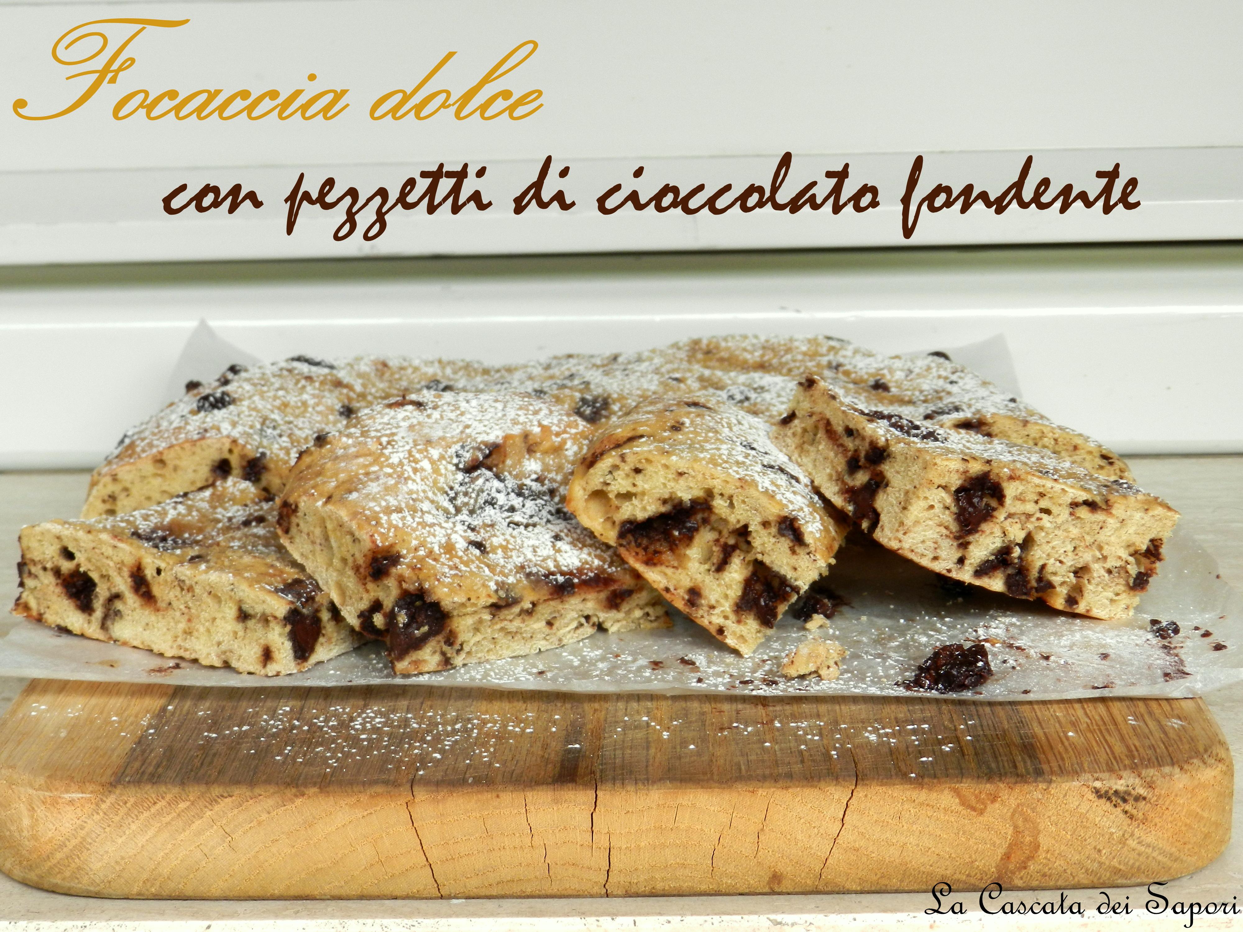 Focaccia-dolce-con-pezzetti-di-cioccolato-fondente