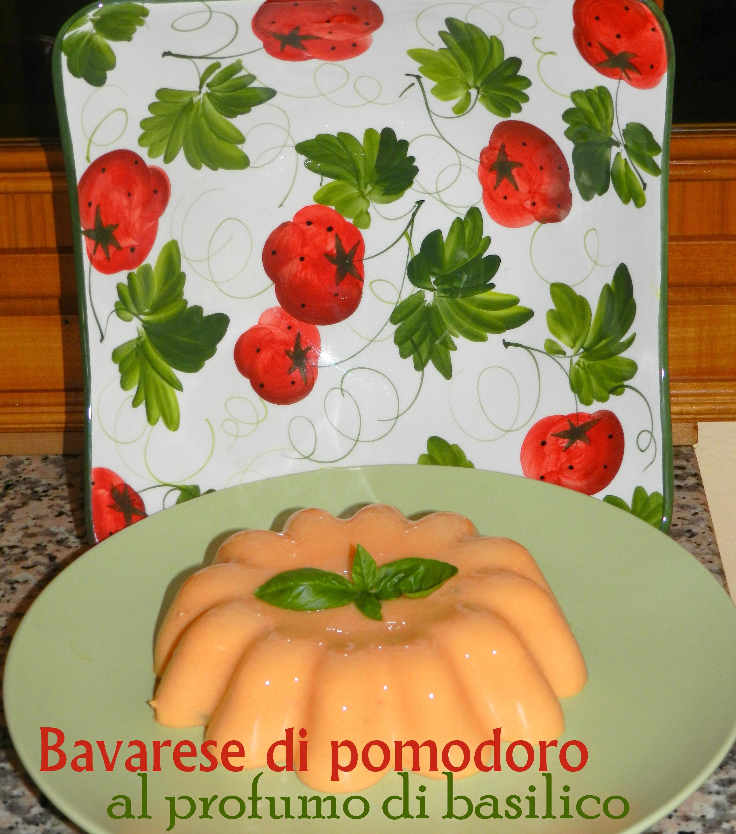 Bavarese di pomodoro al profumo di basilico per il menù di agosto di StagioniAMO!