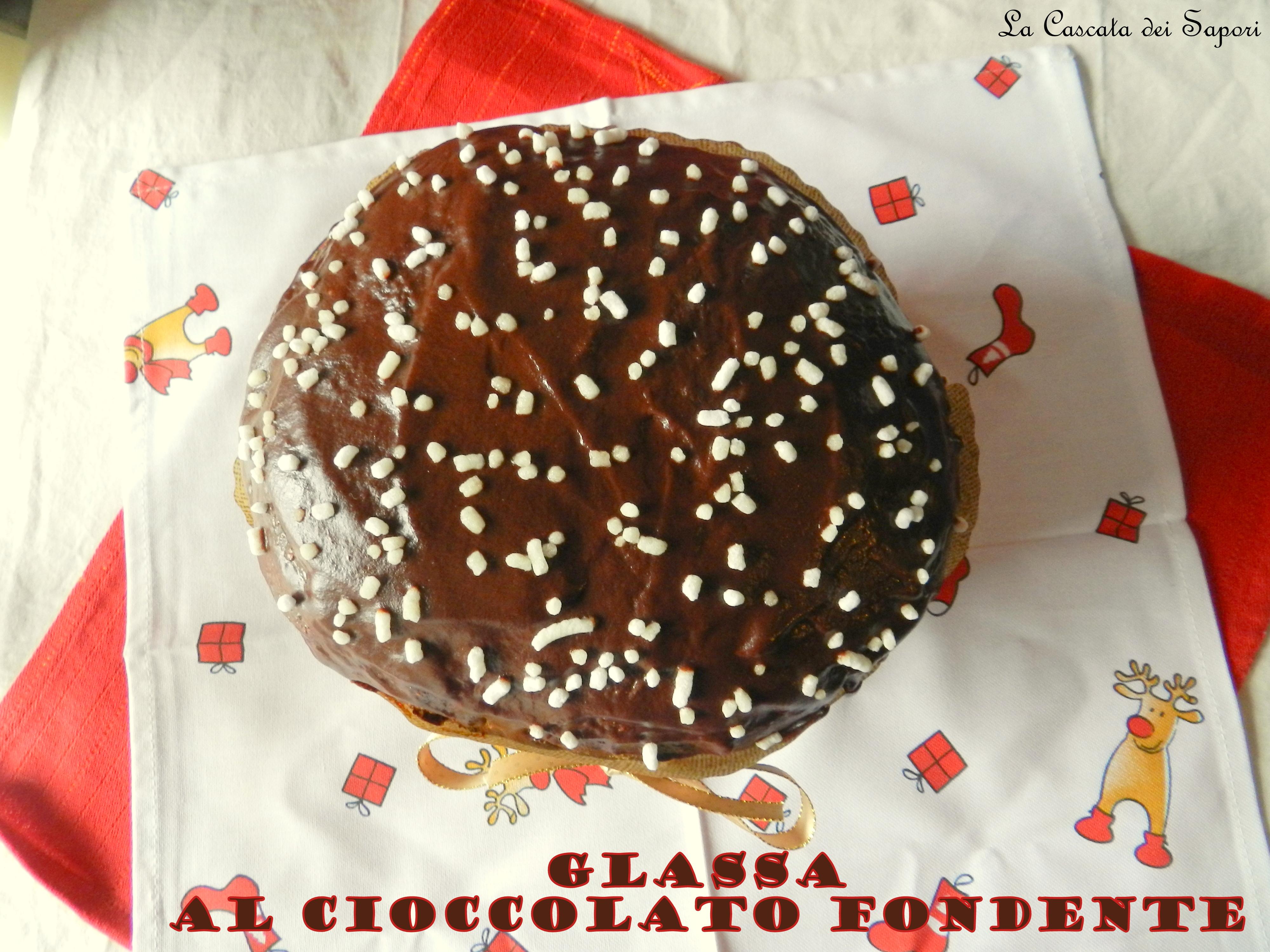 panettone-con-glassa-al-cioccolato