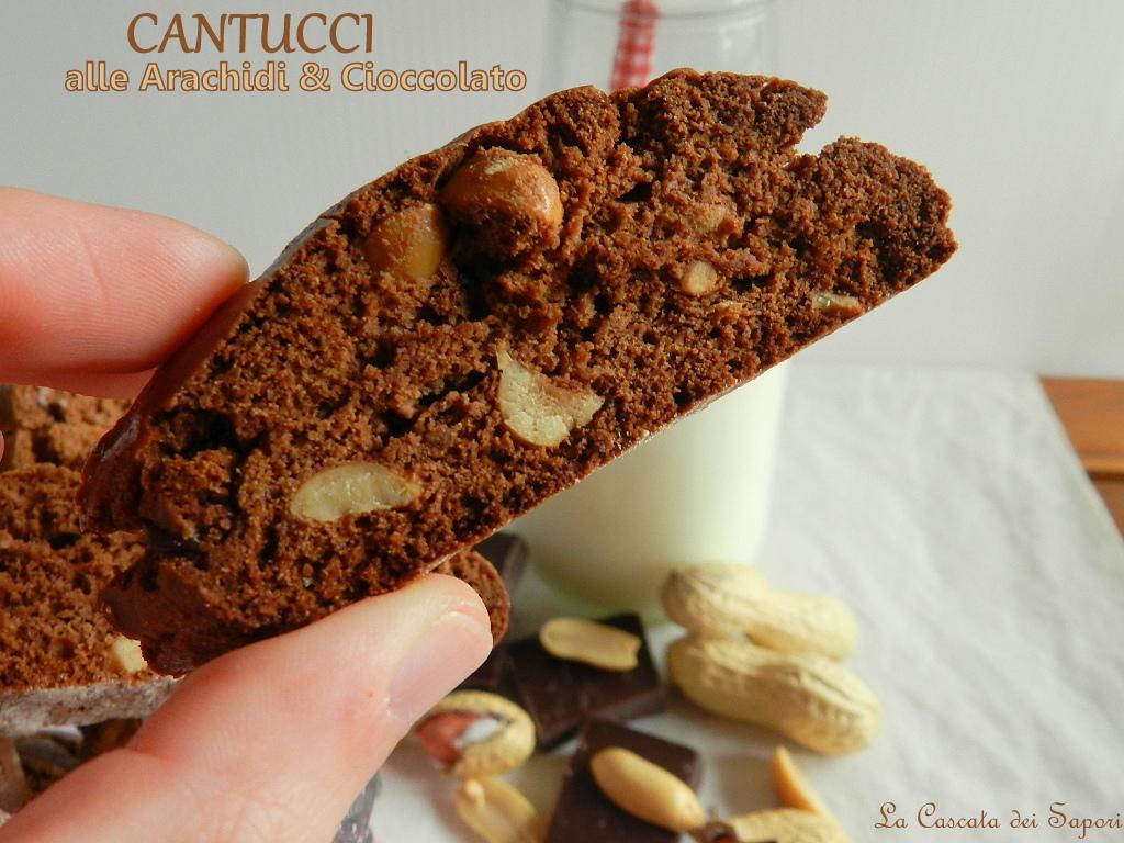 Cantucci-alle-Arachidi-e-Cioccolato