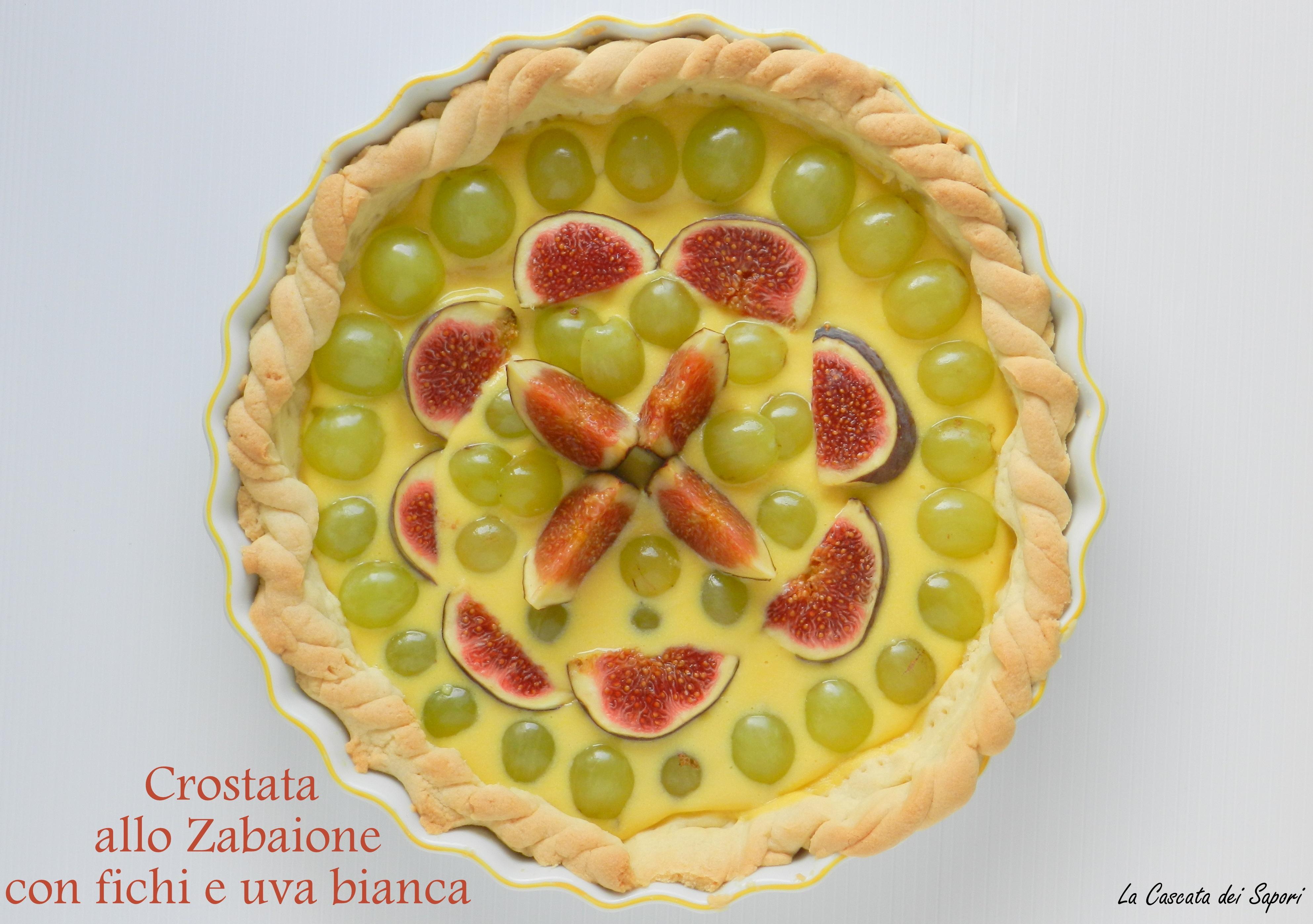Crostata allo zabaione con fichi neri e uva bianca
