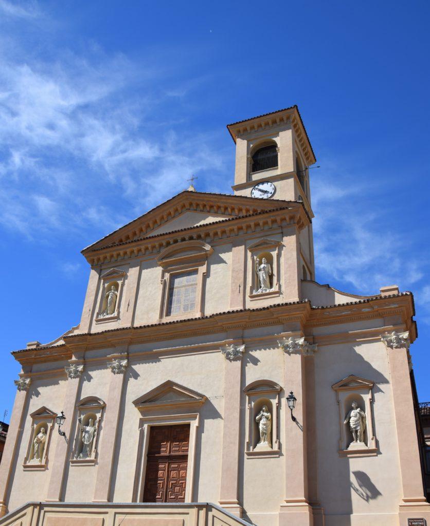 TAPPA 1: VEZZA D'ALBA – Strada Romantica delle Langhe & del Roero La Chiesa Parrocchiale di Santa Maria Assunta e San Martino