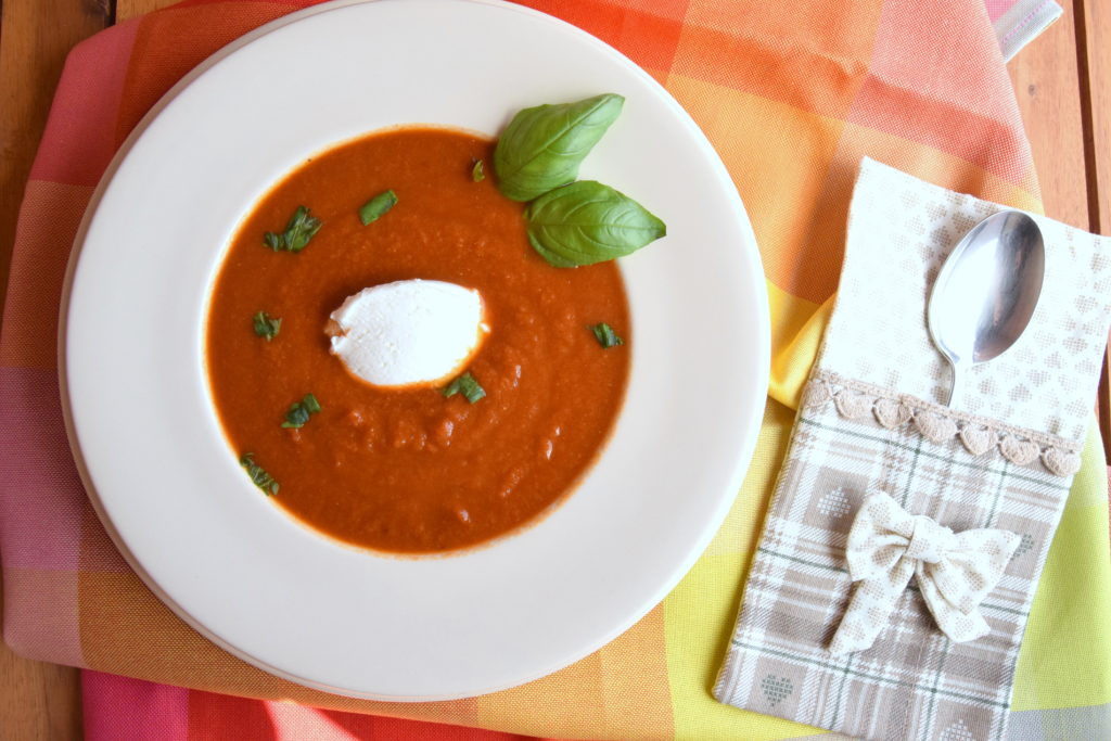 Crema fredda al pomodoro e basilico