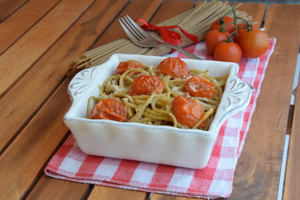 Spaghetti integrali con pomodorini gratinati al forno