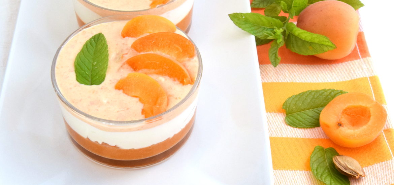 Coppette tre gusti: alle albicocche, ricotta e panna