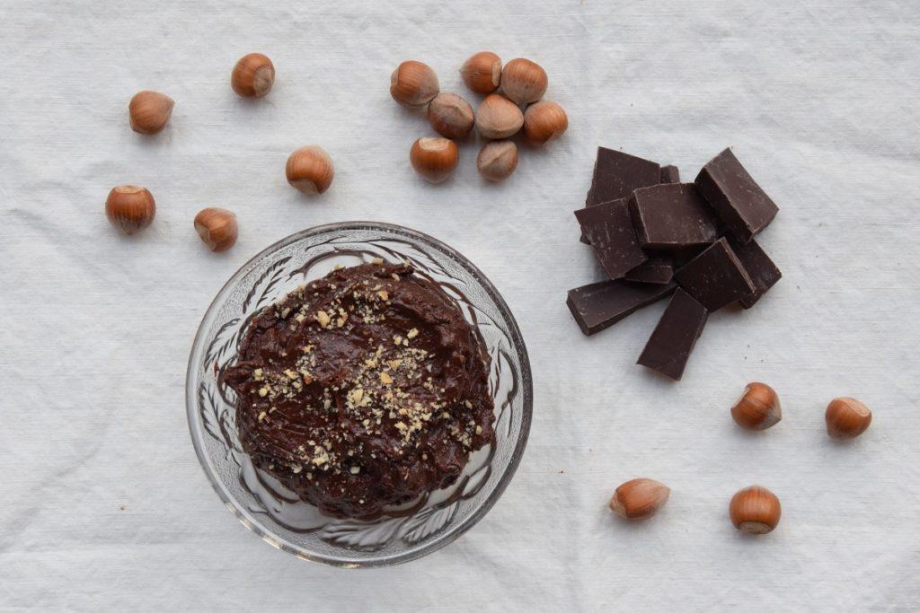 Crema Ganache morbida al cioccolato fondente e nocciole