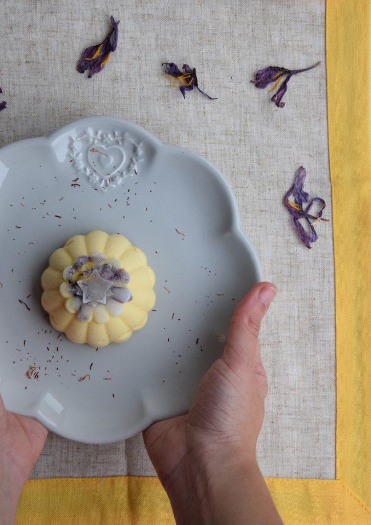 Cremoso allo Zafferano e Cioccolato bianco con cuore di Gelatina all'Arancia