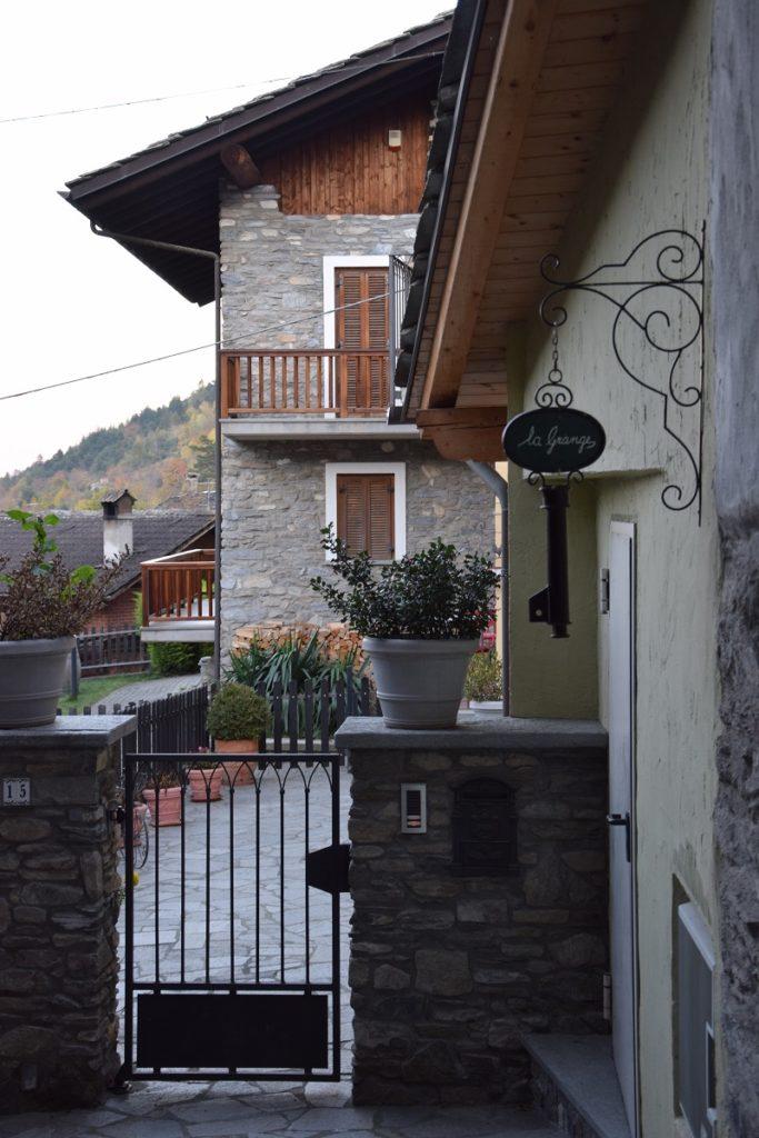 LO PAN NER. Aymavilles e il comune di Vercellod in Valle d'Aosta. Blog Tour AIFB