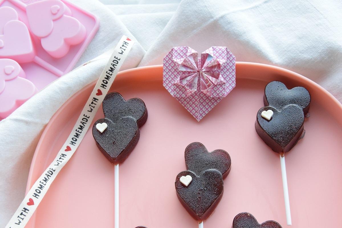 Come realizzare un cuore con la carta. Origami di San Valentino Facili