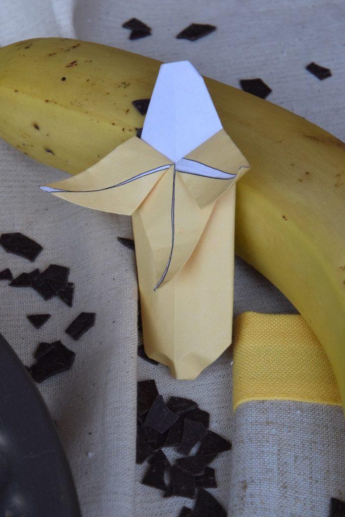 Come realizzare una banana con la carta Origami di Frutta Facili