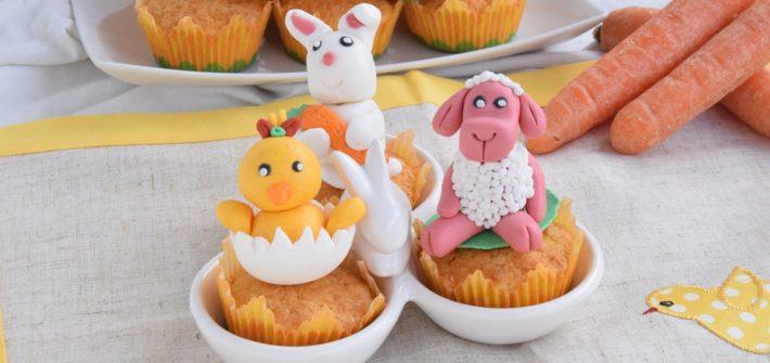 Cupcake di Pasqua alle carote con decorazioni in pasta di zucchero