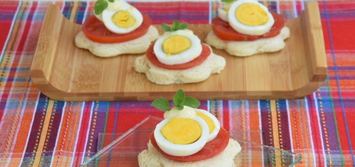 Il mio Tomato, Eggs and Mayonnaise Open Sandwich per Il Club del 27