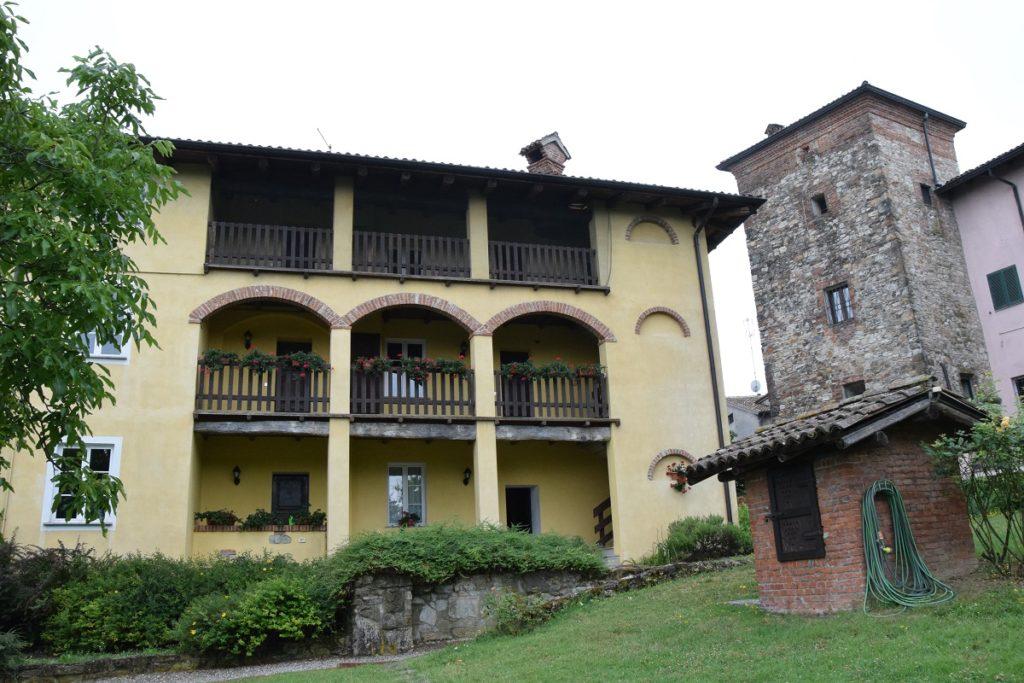 Podere Casale Agriturismo con piscina sui Colli Piacentini in Val Tidone