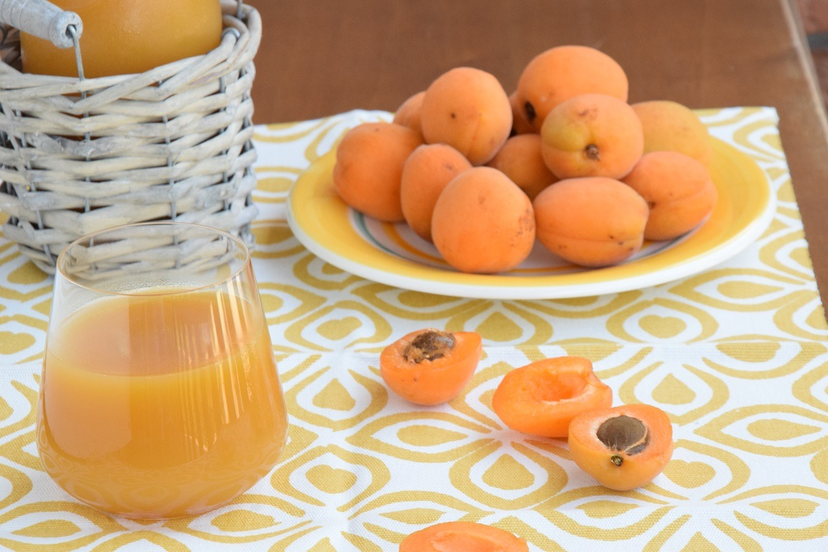Succo di Frutta all'Albicocca Fatto in Casa
