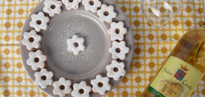 Canestrelli i biscotti tipici liguri incontrano il Malvasia DOC Passito di Podere Casale