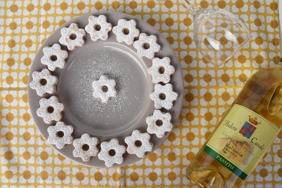 Canestrelli: i biscotti tipici liguri incontrano il Malvasia DOC Passito di Podere Casale