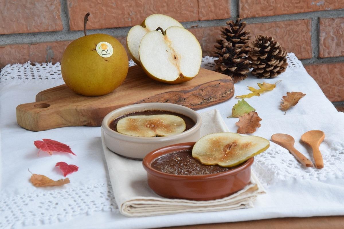 Crème Brûlée al Cioccolato Fondente e Pere Nashi