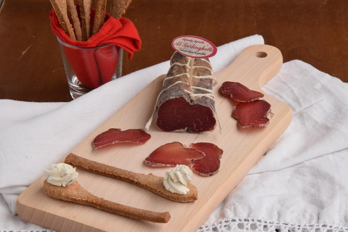 Cucchiaini di Frolla al Parmigiano con Cremoso alle erbe e Filetto