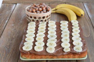 Torta alle Banane e Nocciole con Frosting alla Nutella