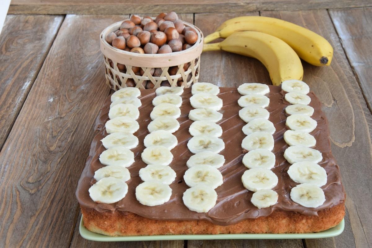 Torta alle Banane e Nocciole con Frosting alla Nutella per PASSIAMOLE IN RIVISTA