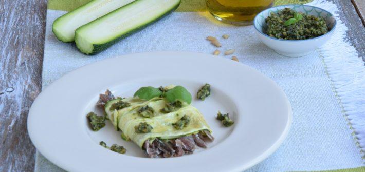 Millefoglie di acciughe e zucchine con pesto al limone per MAG ABOUT FOOD 0