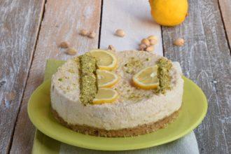 Raw Lemon and Pistachio chia Tart I Dolci Crudi per MAG ABOUT FOOD