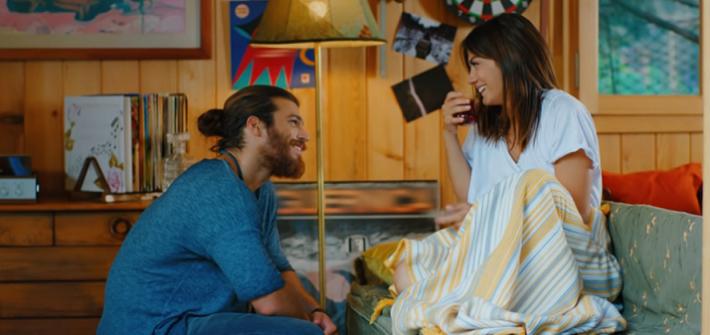 Çay turco la bevanda calda preferita di Can e Sanem - Erkenci Kuş