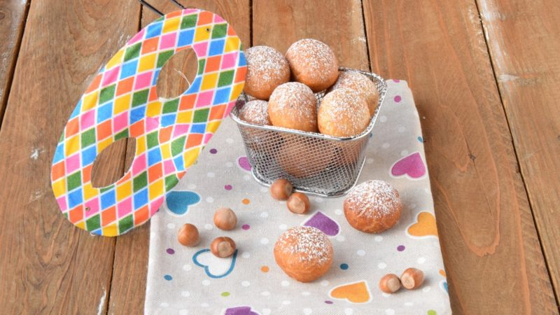 Frittelle con farina di mais e nocciole per l'Italia nel Piatto