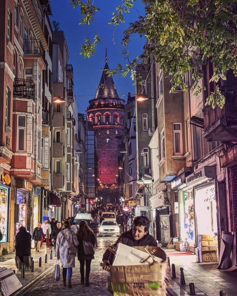 Destinazione_Istanbul: Federica B. Un'Italiana a Istanbul - INTERVISTA