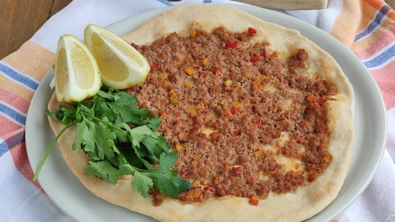 Lahmacun: la Pizza Turca – Erkenci Kuş