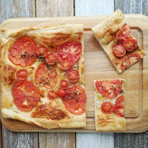 Torta Salata con Pomodori, Senape e Origano per Il Club del 27